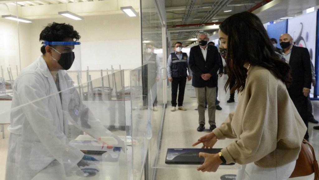 Photo of UNAM adquirirá 20 mil tabletas para alumnos de bajos recursos, ¿cómo puedo obtener una?