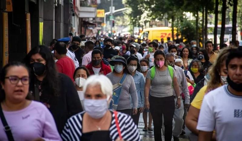 Photo of Nunca habrá inmunidad de rebaño, afirma científico ruso que contrajo 2 veces COVID-19