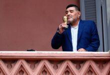 Photo of Velarán a Maradona en la Casa Rosada